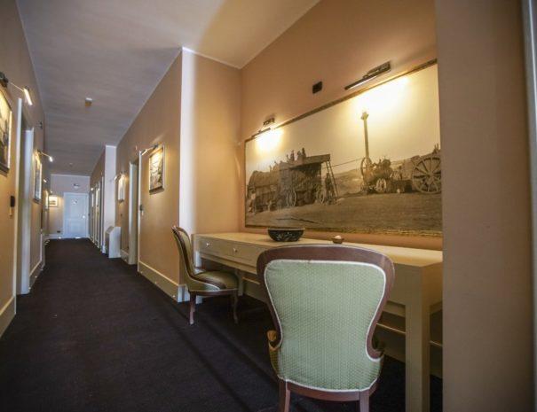 Corridoio-hotel-parco-templari-puglia
